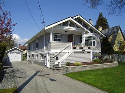 Beautiful 1922 Craftsman home.