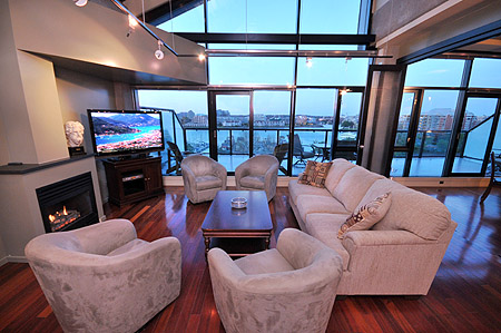 Living in the lap of harbourside luxury.