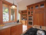 Gourmet kitchen for the chef in your group.